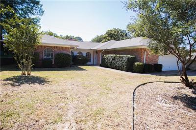 Arlington Single Family Home For Sale: 804 Cornish Oak Court