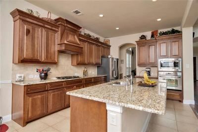 Keller Single Family Home For Sale: 208 Silverado Trail