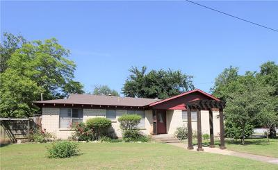 Cleburne Single Family Home For Sale: 805 Baird Street