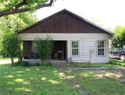 Cleburne Single Family Home For Sale: 1009 Granbury Street