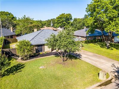 Burleson Single Family Home For Sale: 737 NW Douglas Street