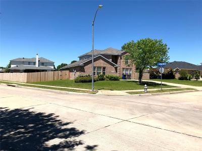 Sachse Single Family Home For Sale: 3404 Potomac Drive