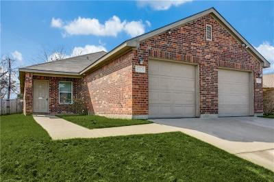 Tarrant County Multi Family Home Active Option Contract: 8005 Julie Avenue