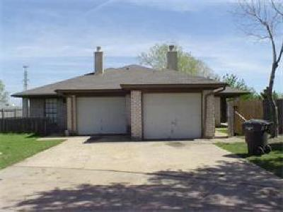 Tarrant County Multi Family Home Active Option Contract: 6633 S Creek Drive