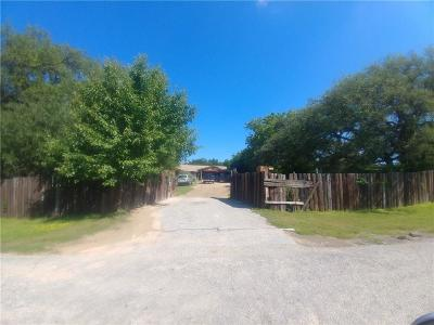 Granbury Single Family Home For Sale: 304 Saddleview Court