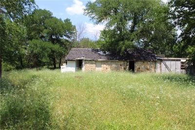Tarrant County Single Family Home For Sale: 4650 Robertson Road