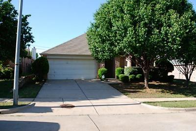 Euless Residential Lease For Lease: 211 Crepe Myrtle Drive