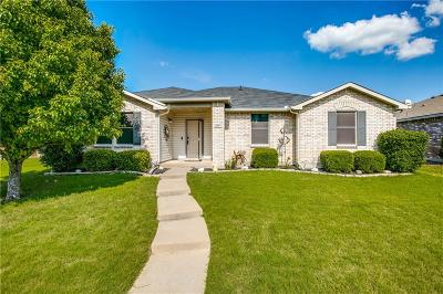 Rockwall Single Family Home For Sale: 1819 Wildrose Drive