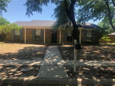 Grand Prairie Single Family Home For Sale: 745 Oakland Street