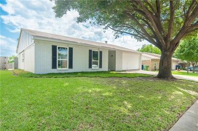 Garland Single Family Home For Sale: 4126 Crestwood Drive