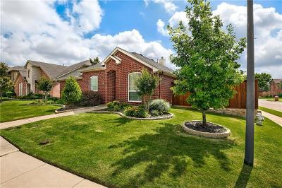 Lewisville Single Family Home For Sale: 813 Cobblestone Drive