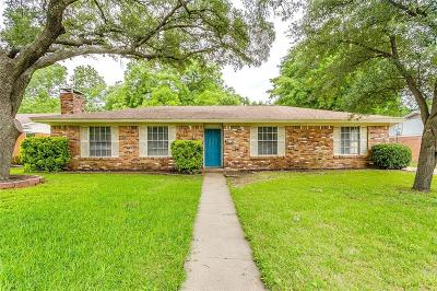 Burleson Single Family Home For Sale: 328 Harris Street
