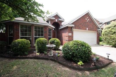 Fort Worth Single Family Home For Sale: 4976 Obrien Way