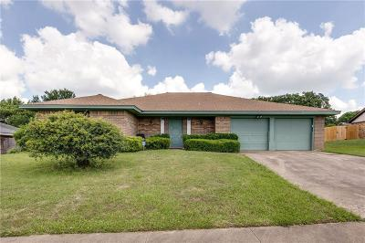 Hurst Single Family Home Active Option Contract: 712 Springhill Drive
