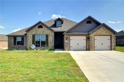 Cleburne Single Family Home For Sale: 1510 Bent Creek