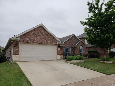 Arlington Single Family Home For Sale: 605 Southwind Drive