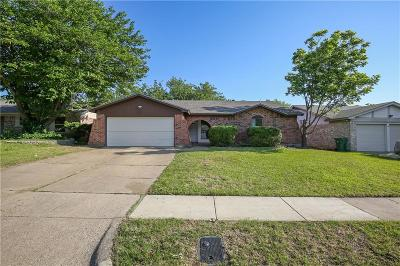 Arlington Single Family Home For Sale: 109 Volunteer Drive
