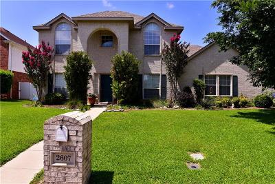 Tarrant County Single Family Home For Sale: 2607 Creekbend Drive