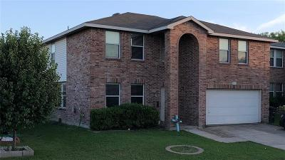 Fort Worth Single Family Home For Sale: 733 Granite Ridge Drive