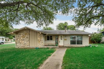 Dallas Single Family Home For Sale: 8240 Greenhollow Lane