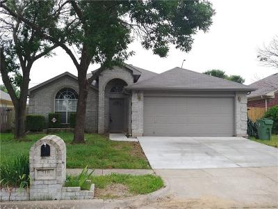 Arlington Single Family Home For Sale: 510 Cross Cut Drive