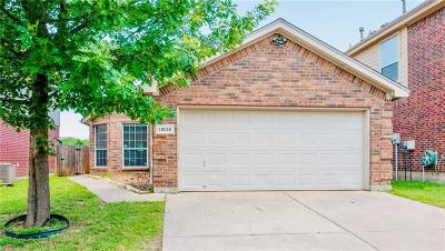 Fort Worth Single Family Home For Sale: 11836 Porcupine Drive