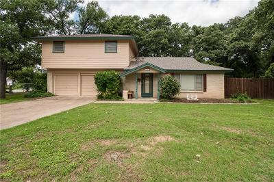 Euless Single Family Home For Sale: 508 Sunset Drive