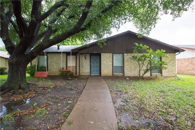 Garland Single Family Home For Sale: 2813 Ripplewood Drive