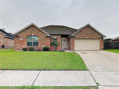 Mansfield Residential Lease For Lease: 1024 Cutting Horse Drive