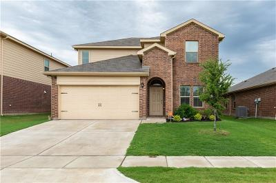 Azle Single Family Home For Sale: 636 Cameron Way