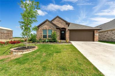 Tarrant County Single Family Home For Sale: 501 Ambrose