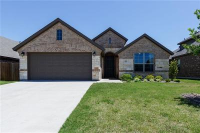 Waxahachie Single Family Home For Sale: 214 Colter Drive