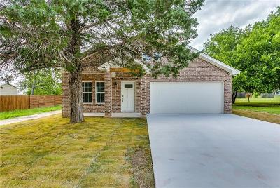 Alvord Single Family Home For Sale: 207 N Hubbard