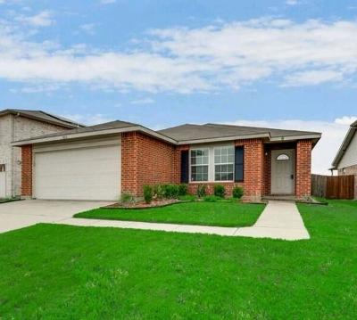 Fort Worth Single Family Home For Sale: 5016 River Rock Boulevard