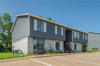 Grayson County Multi Family Home For Sale: 244 W Mc Farland Street
