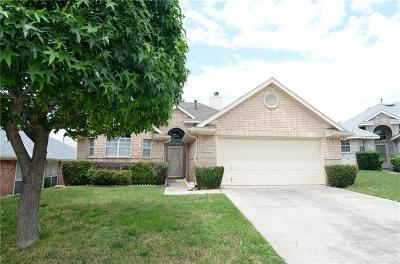 Denton County Single Family Home For Sale: 18247 Justice Lane