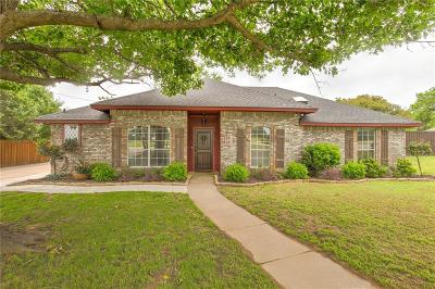 Denton County Single Family Home For Sale: 217 W 6th Street