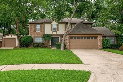 Grapevine Single Family Home For Sale: 526 Briarcroft Drive