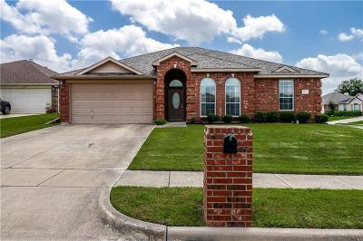 Benbrook Single Family Home For Sale: 1173 Blue Rider Court
