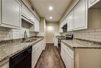 Dallas County Condo For Sale: 4944 Amesbury Drive #106