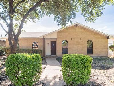 Dallas, Fort Worth Single Family Home For Sale: 2709 Rickenbacker Drive