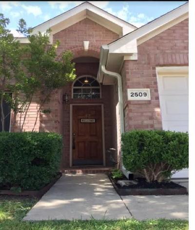Denton Single Family Home For Sale: 2509 Kariba Lane