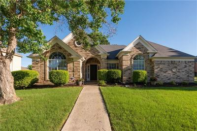 Lewisville Single Family Home For Sale: 1352 Autumn Trail
