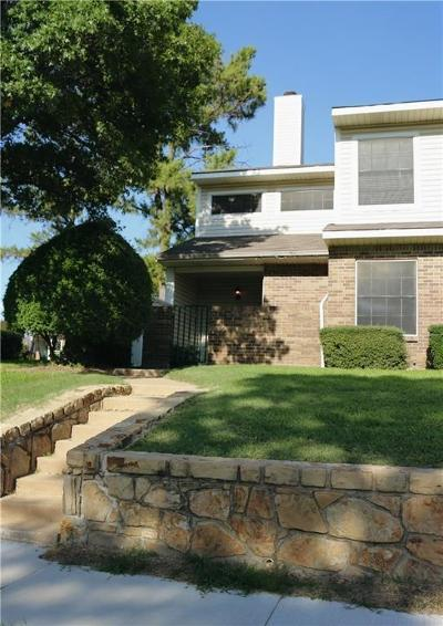 Denton County Townhouse For Sale: 817 Creekside Drive