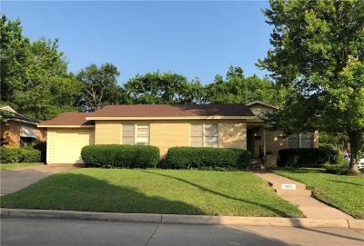 Fort Worth Single Family Home For Sale: 3921 W Spurgeon Street