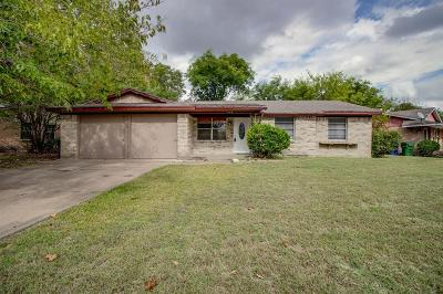 Garland Single Family Home For Sale: 409 Moonlight Drive