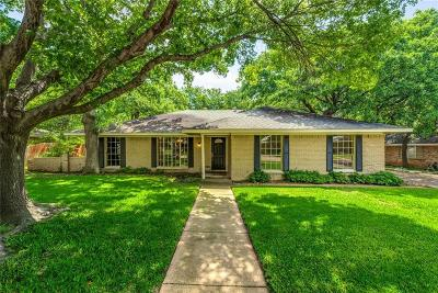 Grand Prairie Single Family Home For Sale: 2326 Ravenwood Drive