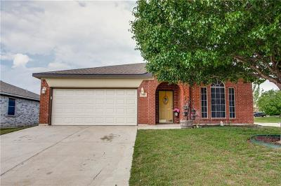 Fort Worth Single Family Home For Sale: 6449 Freshwater Lane