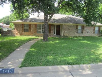 Dallas County, Denton County, Collin County, Cooke County, Grayson County, Jack County, Johnson County, Palo Pinto County, Parker County, Tarrant County, Wise County Single Family Home For Sale: 1410 Canadian Circle Circle