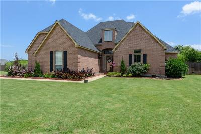 Grayson County Single Family Home Active Kick Out: 3019 Preston Club Drive